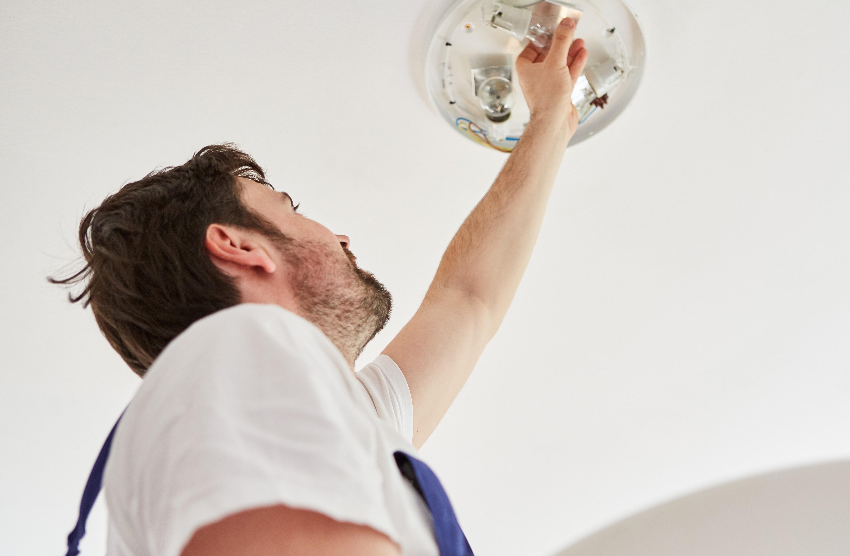 montare una lampada